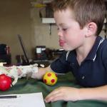 Una mano robótica creada a partir de impresión en 3D. https://www.youtube.com/watch?v=WT3772yhr0o
